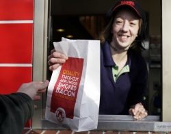 woman, fast food, low wage work, minimum wage