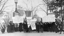 Women picket at White House gate in Washington, D.C. in 1918.
