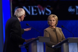 Clinton Sanders debate, Disney ABC Television Group (CC-BY-ND)