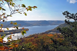 Fall at brady's Bluff, Perrot State Park, Aaron Carlson (CC-BY-SA)