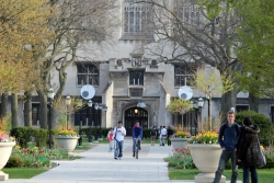 Students on the University of Chicago campus