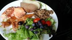 healthy meal, ProjectManhattan (CC)