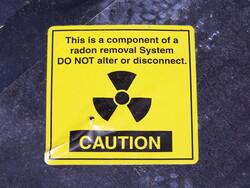 Radon warning label