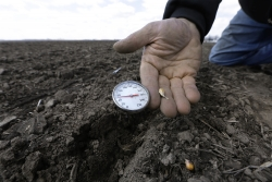 thermometer measures soil temperature