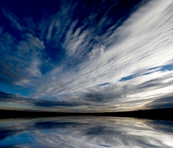 sky and water with clouds