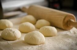unbaked dinner rolls