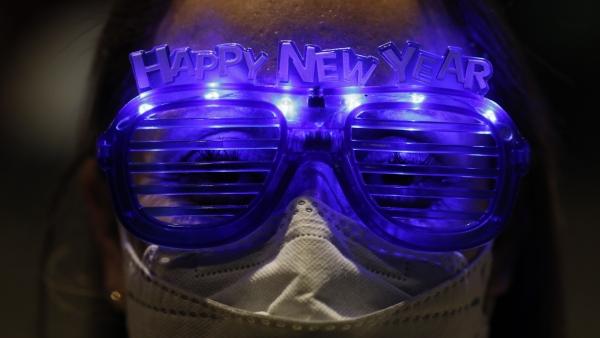 Alejandra Paiz wears festive glasses as the group marks New Year's Eve