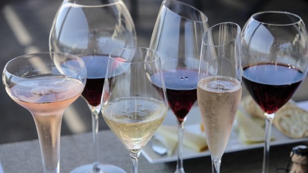Wine, wine glasses