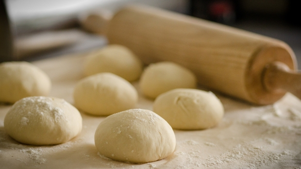 Dough to be rolled out with a rolling pin