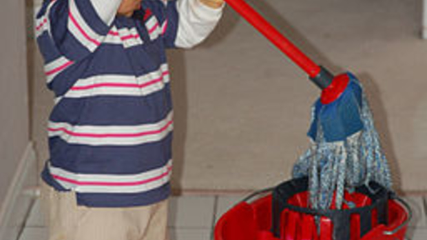 child Mopping, image by Wikimedia Commons user Hardeep Singh