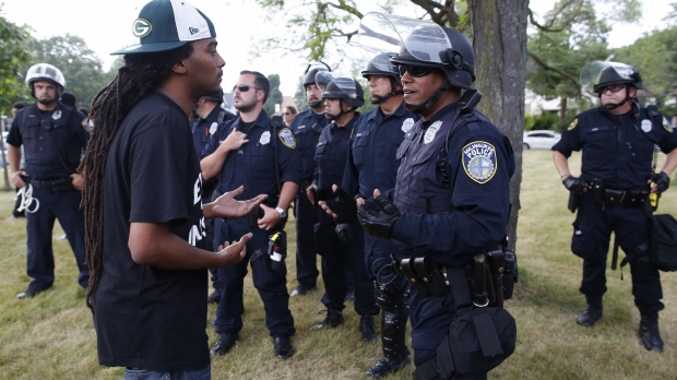 Milwaukee police officers