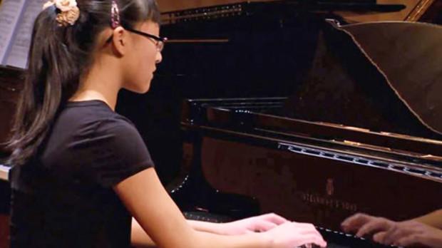 Photo of pianist Jessica Jiang