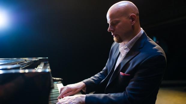 Photo of Jazz Pianist Johannes Wallmann