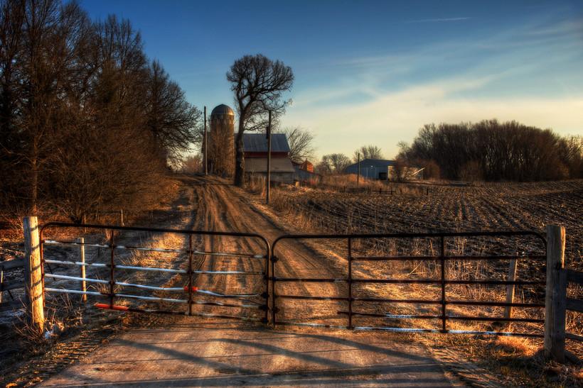 Gate to farm
