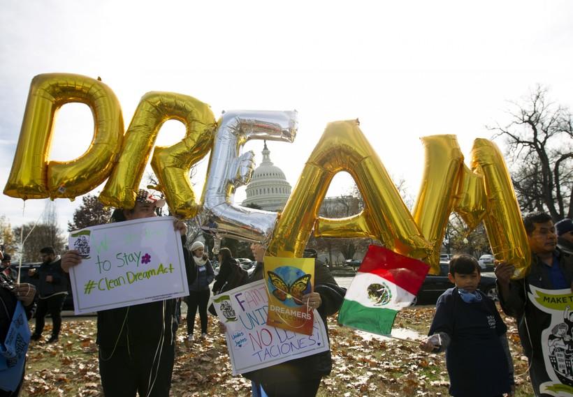 Demonstrators support DACA