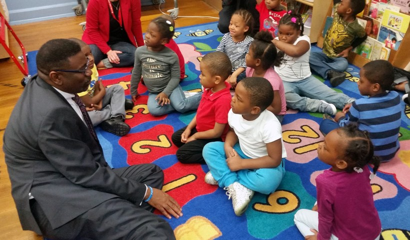 MPS Interim Superintendent Keith Posley talks with kindergartners