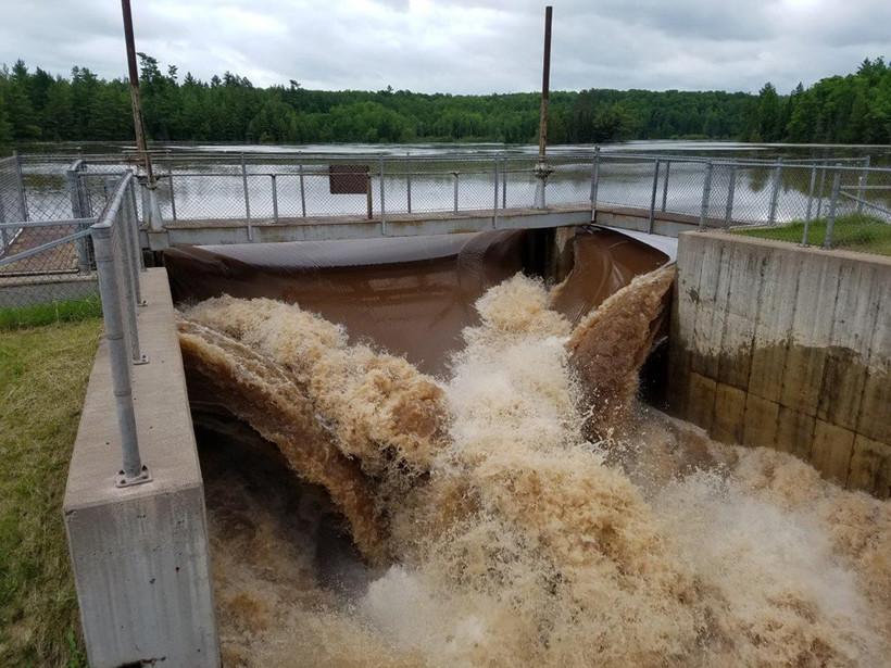 dam on Interfalls Lake at Pattison State Park