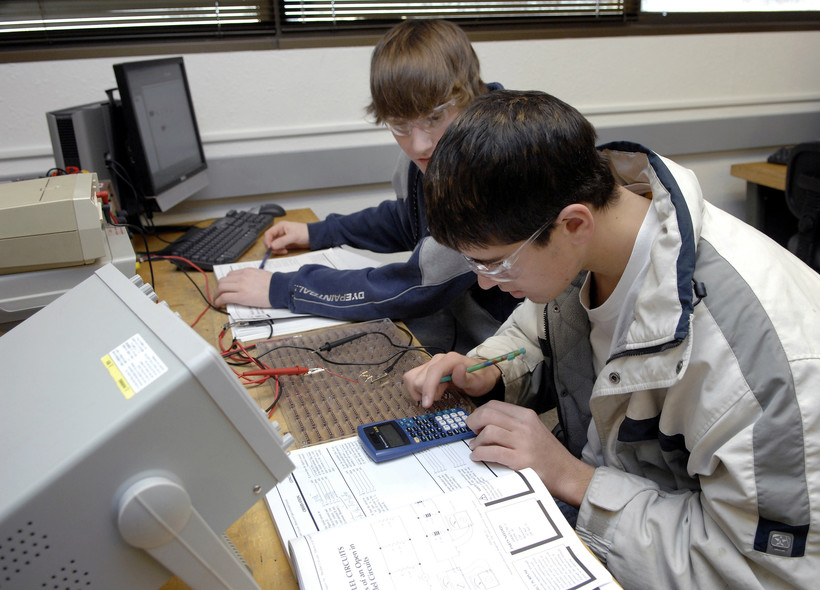 High School Sophomores work in an electronics class