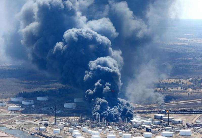 Fires at the Husky Energy refinery in Superior