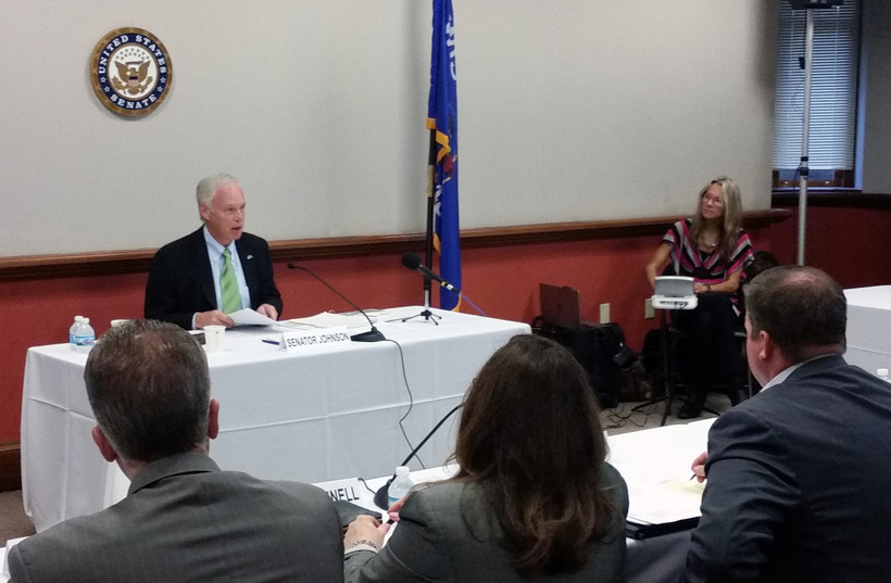 Ron Johnson speaking at a trade roundtable