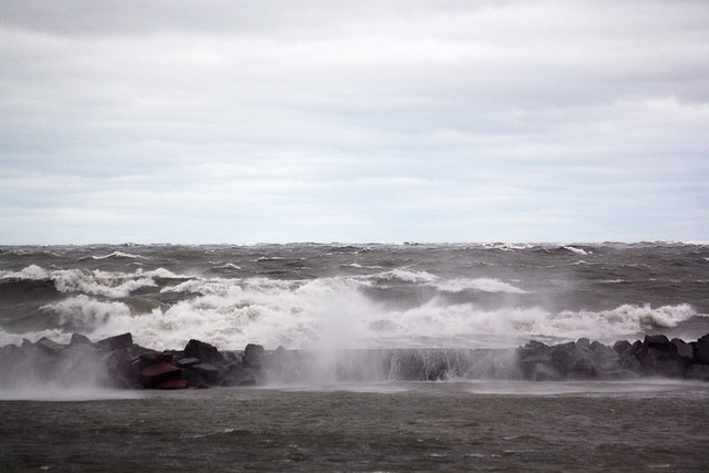 Rough waters and high winds at Lake Michiga