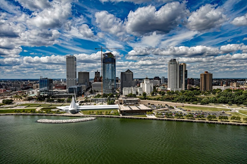 Milwaukee city view from lake