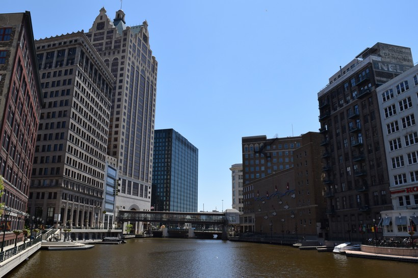 Milwaukee River, Downtown Milwaukee