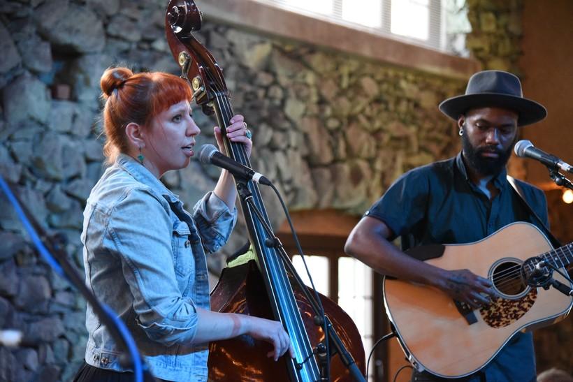 Photo of Johanna Rose and Carl Nichols of Nickel and Rose performing at the 2018 Simply Folk Shindig