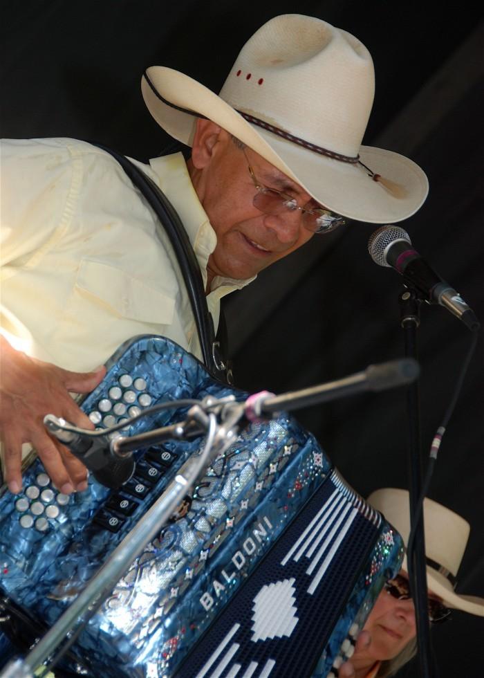 Wisconsin folk musician Cris Plata