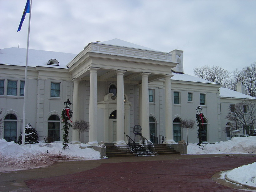governor's mansion, winter
