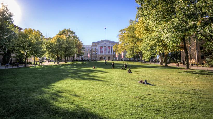 University of Wisconsin-Madison campus, students, Bascom Hall, Bascom Hill