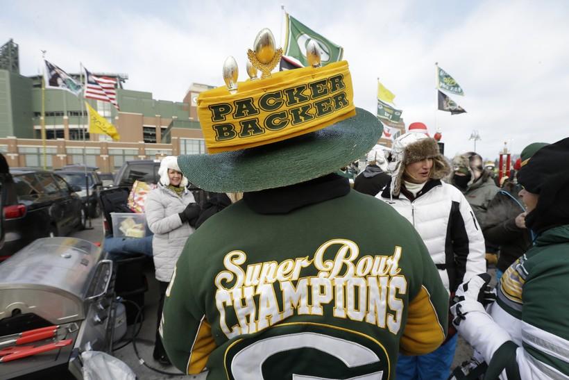 Green Bay Packers fans tailgate at Lambeau Field