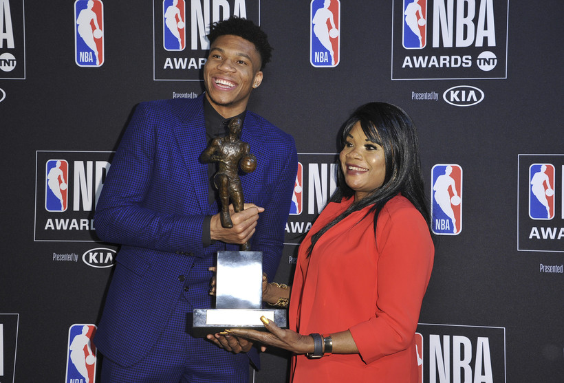 Giannis Antetokounmpo with his mother Veronica Antetokounmpo