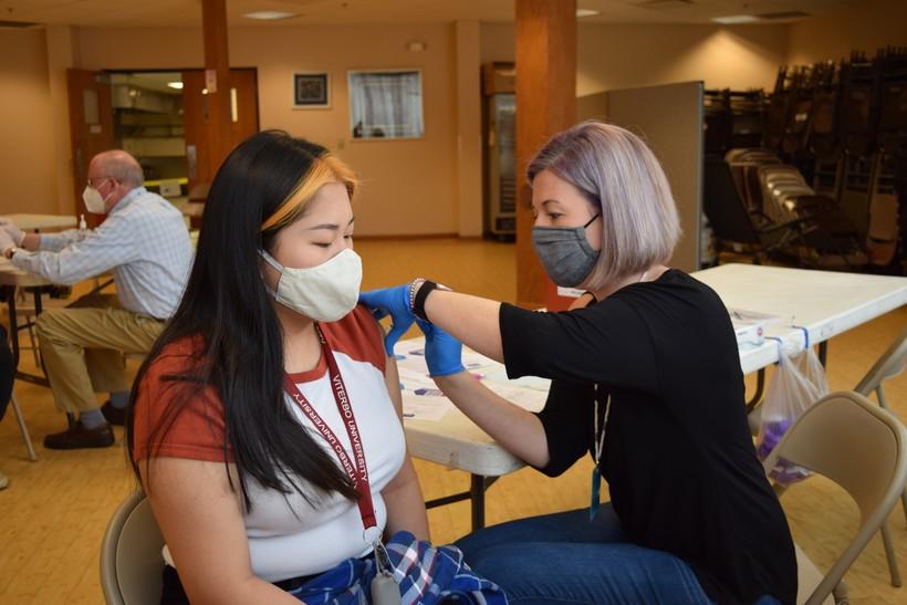 La Crosse resident getting COVID-19 vaccine
