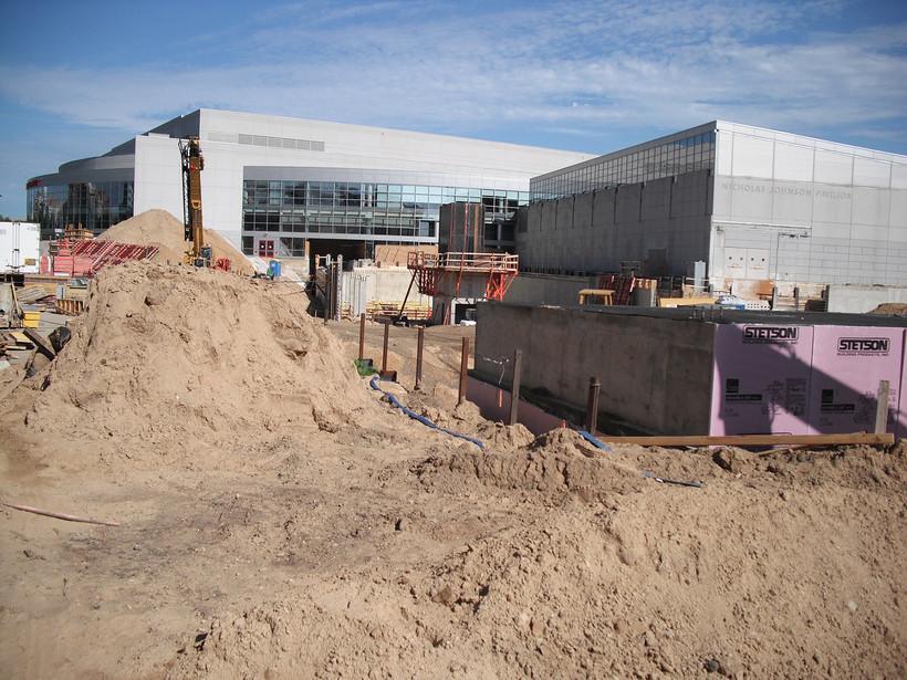 Construction on UW-Madison'sLaBahn Arena