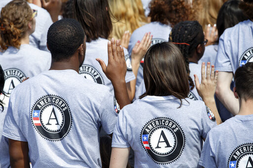 New AmeriCorpsvolunteers are sworn in for duty