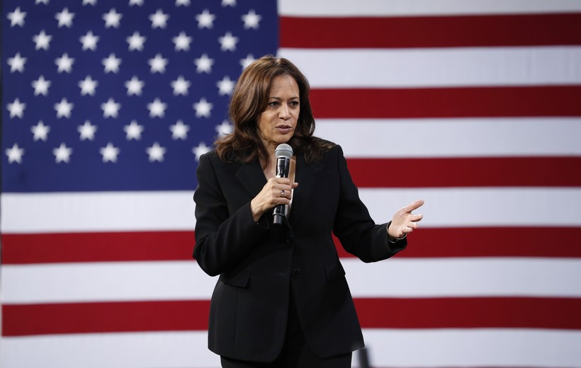 2020 Democratic presidential candidate Kamala Harris on stage.