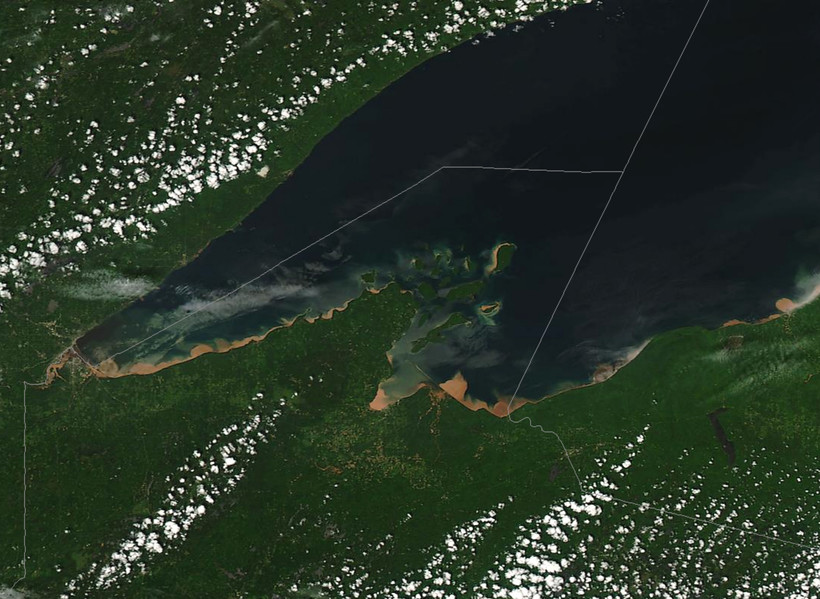 great lakes superior sediment runoff water