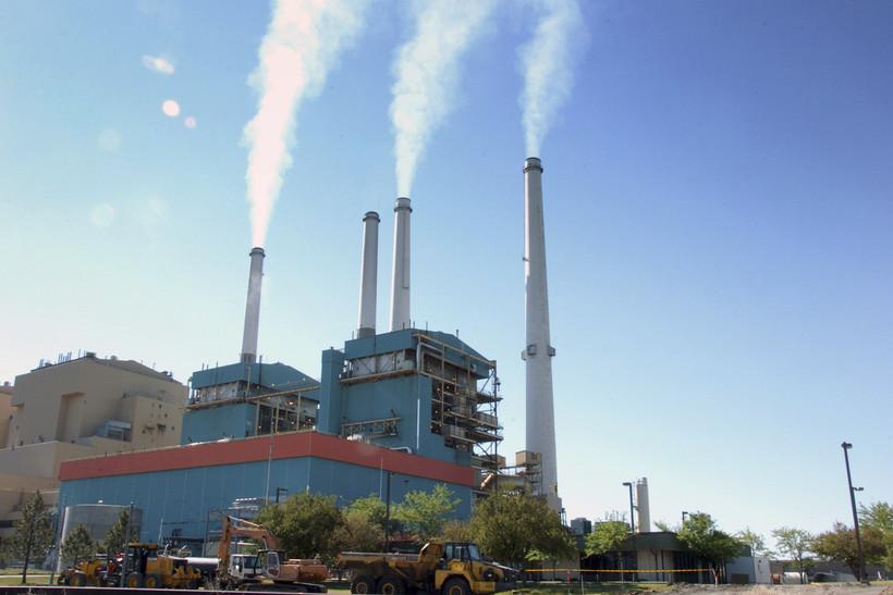 Coal-burning power plant in Montana