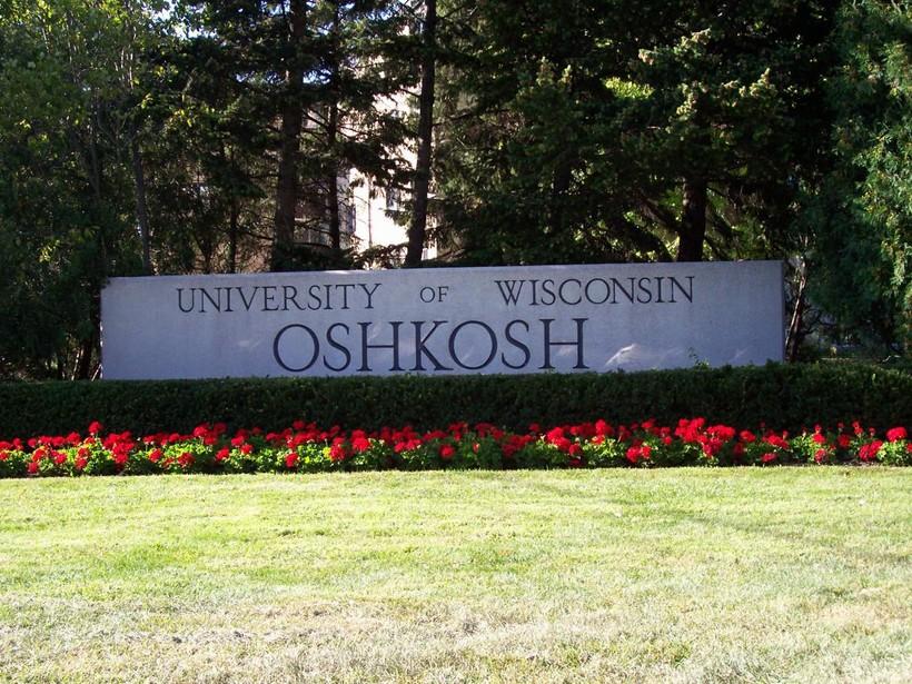 UW-Oshkosh sign