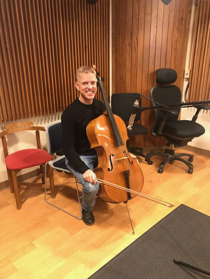 Studio photo of cellist Joe Johnson