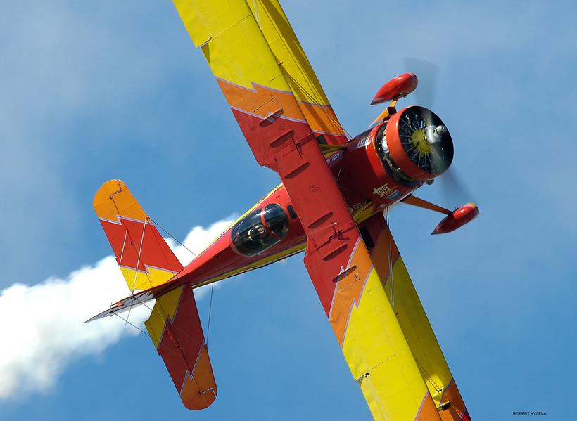 Air show legend Gene Soucy flies a knife-edge pass