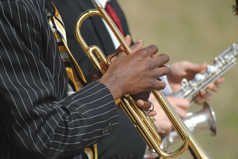 Musicians playing jazz