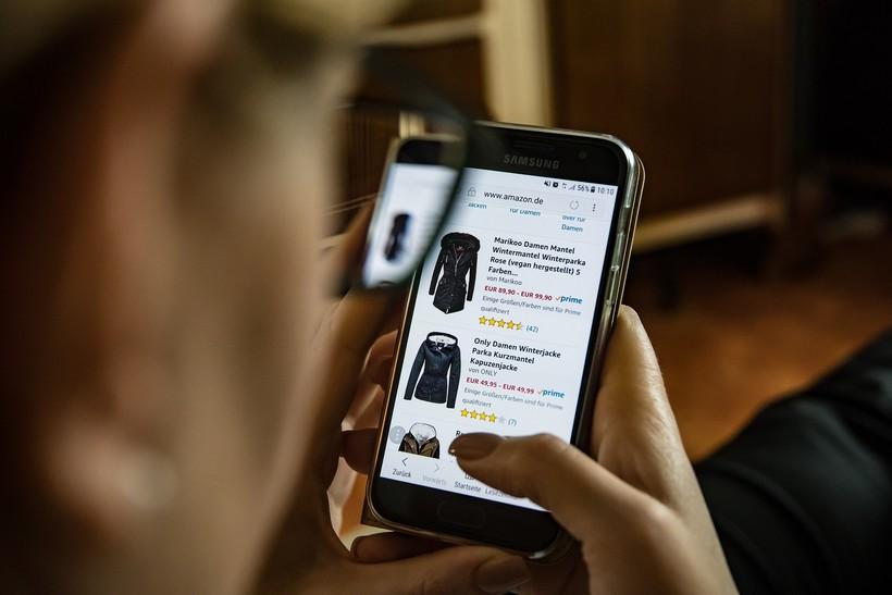shopping on smart phone
