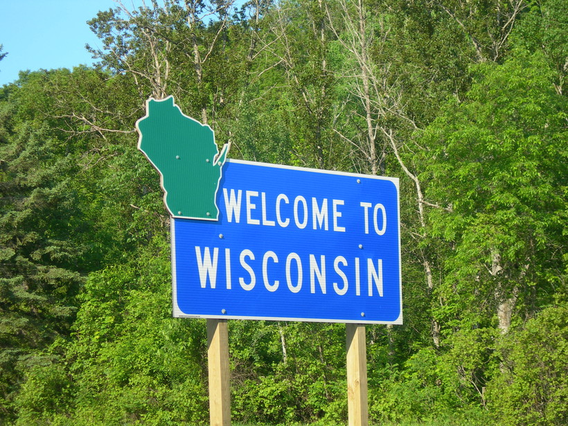 wisconsin s slow population growth continued in 2016 census data
