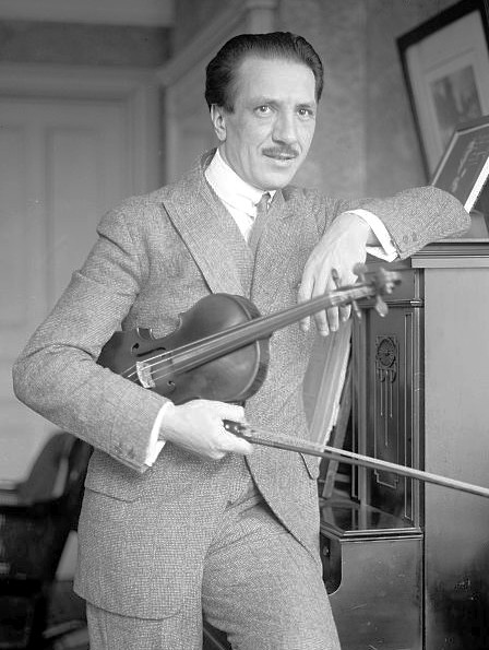 Photo of violinist Jacques Thibaud