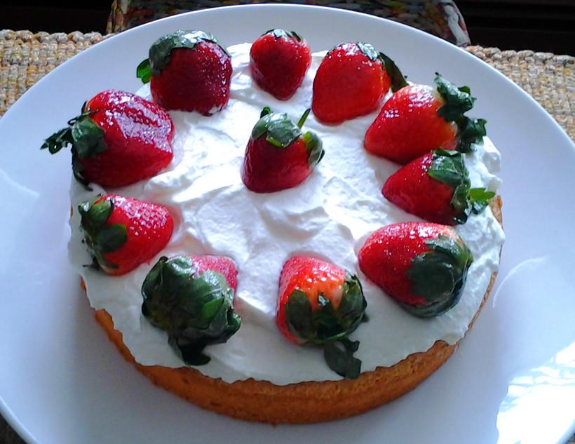 Fanni's Strawberry Cake, Genevieve Davis