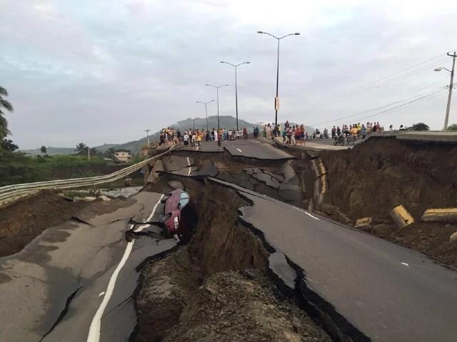 Ecuador road earthquake, photo courtesy of Andean Health & Development