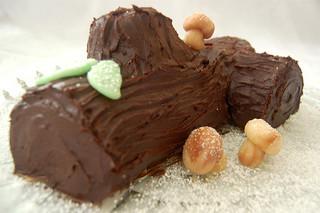 buche de Noel, image by Flickr user Laura Thompson