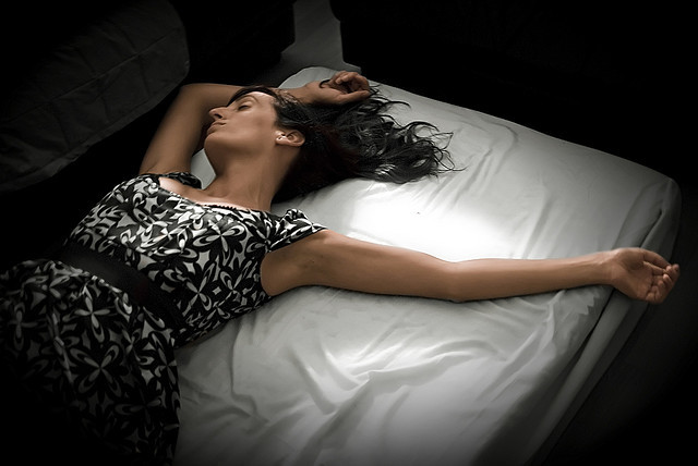 sleeping woman, Wiros (CC-BY-SA)